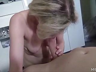 German Taboo - Echtes Amateur Sex-Video von Mutti und Sohn des Freundes aus Hamburg